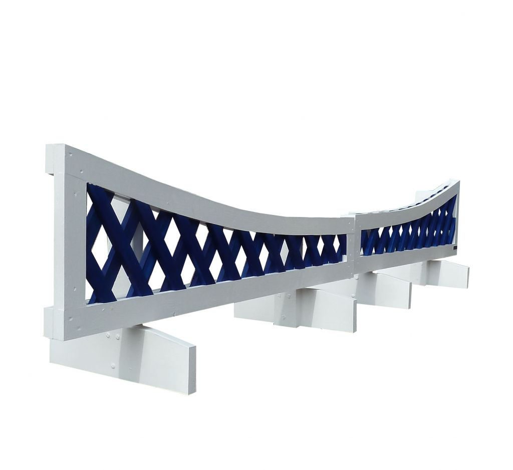 Dipping trellis filler in white & blue